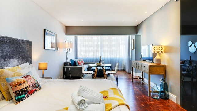 by Mouille Point Apartment | LekkeSlaap